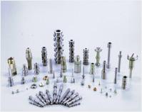 精密部品~丸棒・角棒・六角棒・棒鋼・鍛造素材などからスプール・ポペット・バネ座・特殊ナット・特殊プラグ・オリフィス・ピストンなどの加工が可能です。